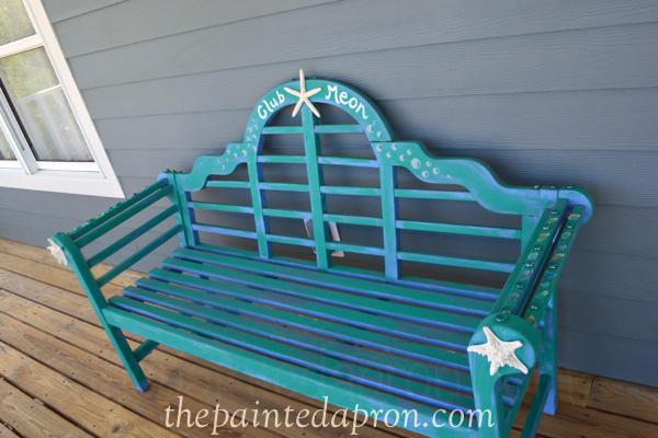 beach bench thepaintedapron.com