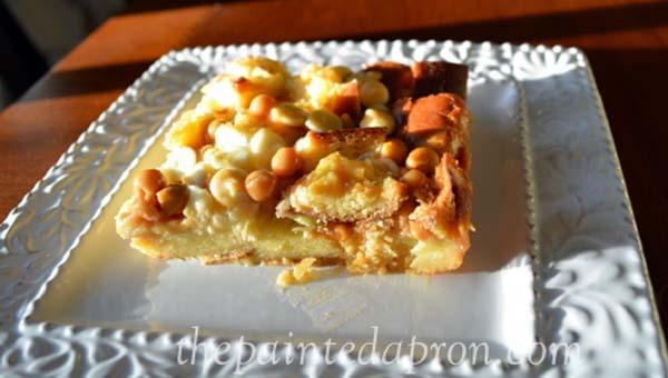 butterscotch bread pudding thepaintedapron.com