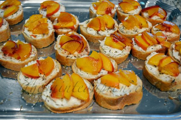 peach and goat cheese crostini thepaintedapron.com