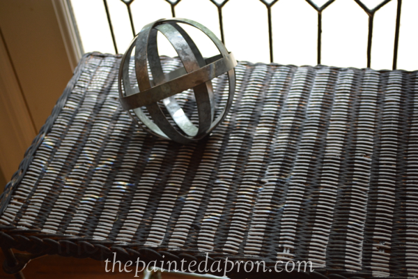 striped wicker table thepaintedapron.com