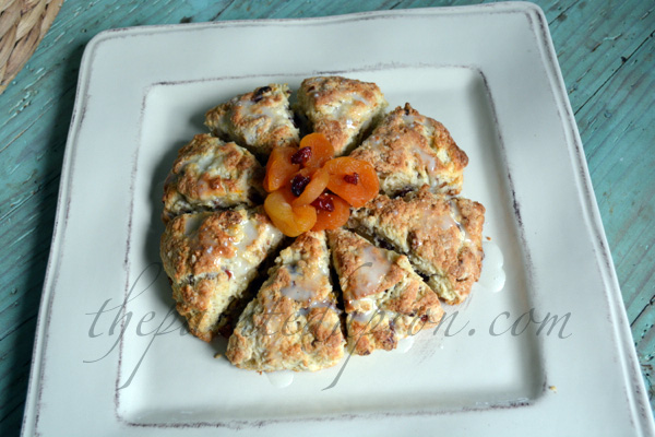 vanilla scones with apricot thepaintedapron.com
