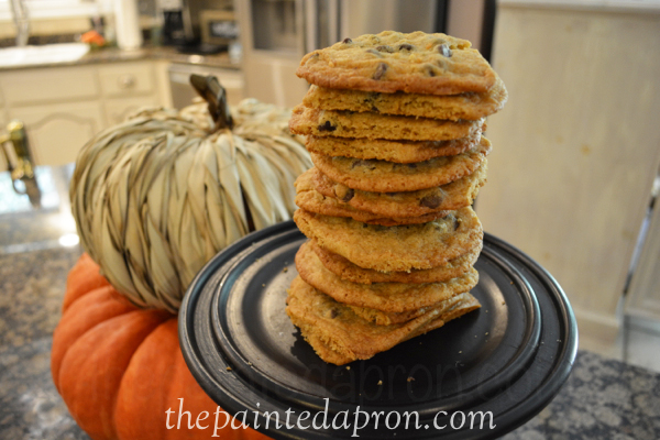 Amazing PB choc chip cookies thepaintedapron.com