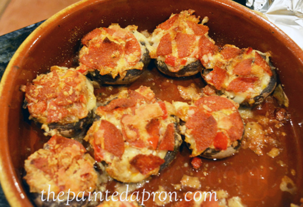 pepperoni  stuffed mushrooms thepaintedapron.com