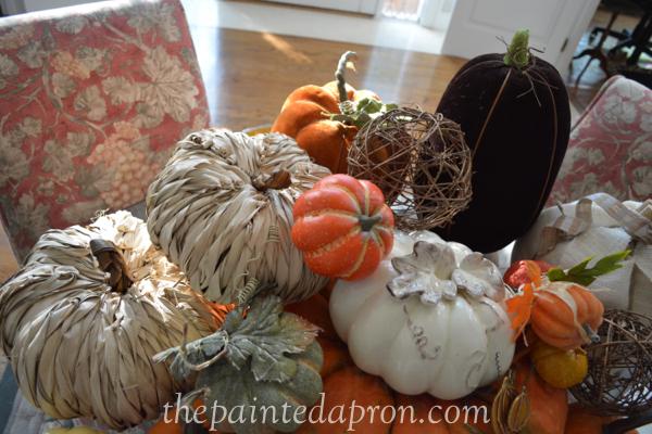 pumpkin pile 5 thepaintedapron.com