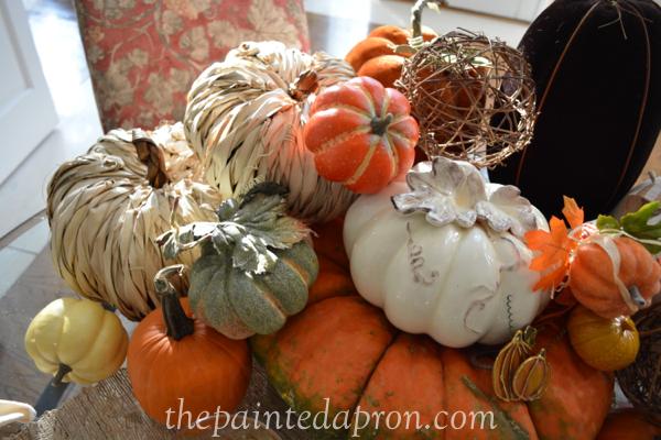 pumpkin pile 8 thepaintedapron.com