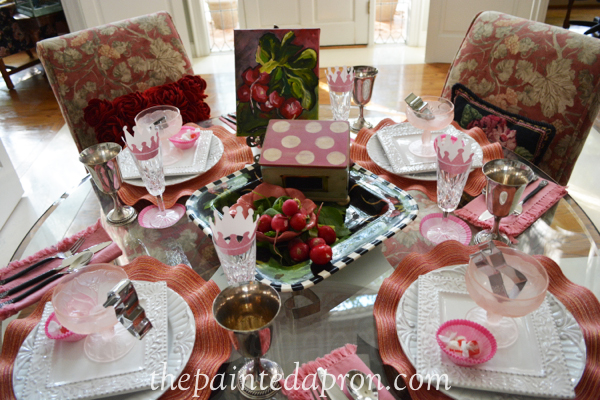 going pink table 2 thepaintedapron.com