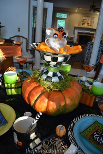 Halloween centerpiece 4 thepaintedapron.com