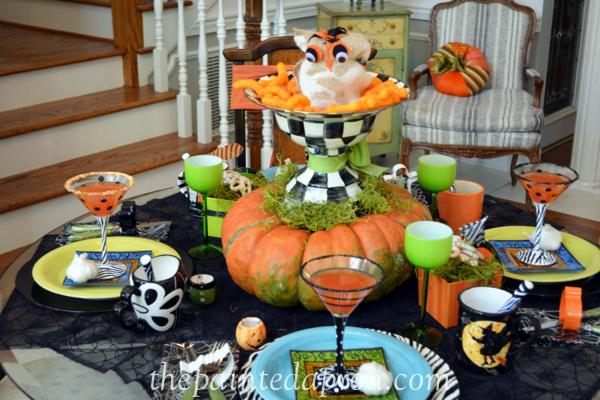 mummy table thepaintedapron.com
