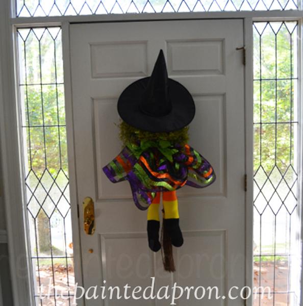 witch door decor thepaintedapron.com