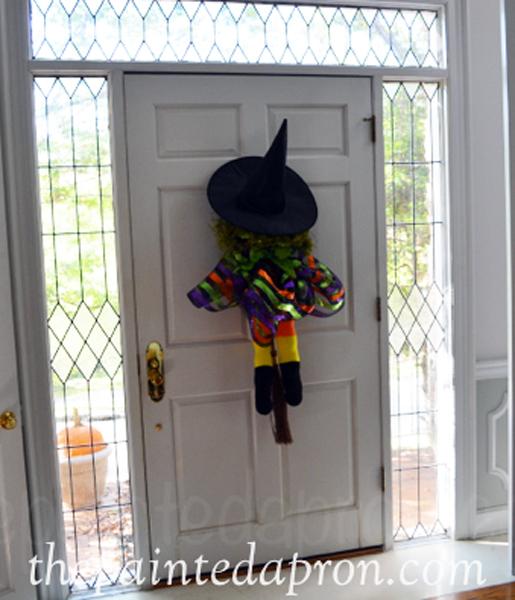 witch door hanger thepaintedapron.com