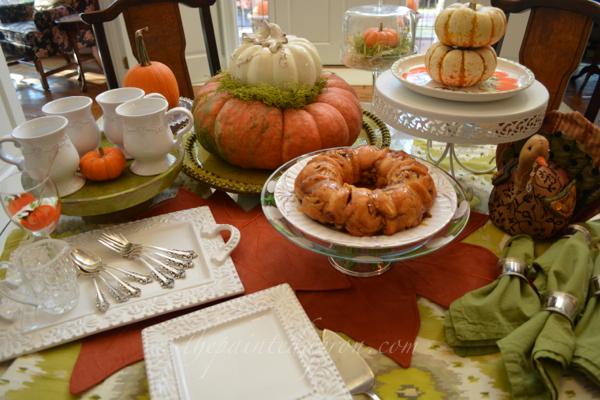 fall dessert table 2 thepaintedapron.com