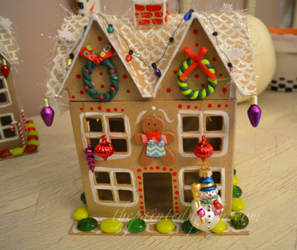 gingerbread cottage thepaintedapron.com