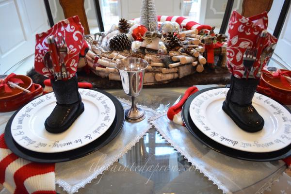 Santa boots napkin holder thepaintedapron.com