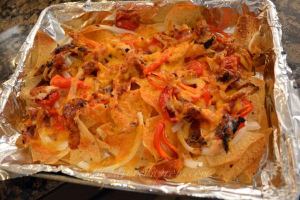 BBQ BBQ chicken nachos thepaintedapron.com