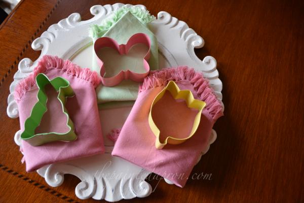 cookie cutter napkin rings thepaintedapron.com