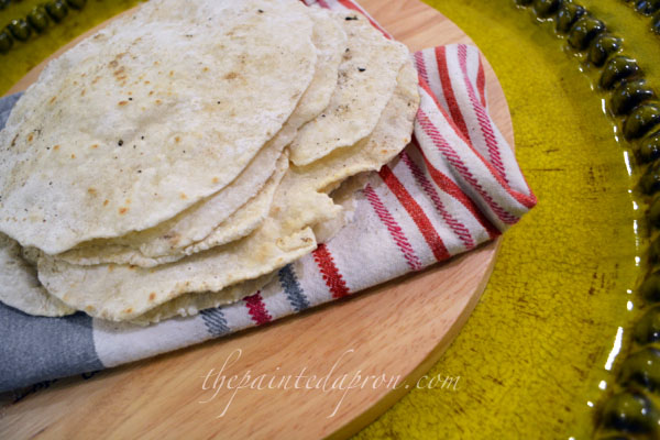 flour tortillas thepaintedapron.com