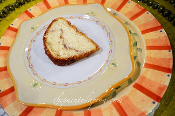 Mississippi pound cake thepaintedapron.com