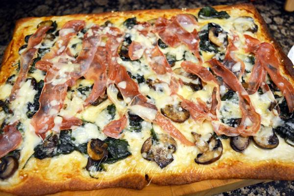 spinach and prosciutto pizza 1 thepaintedapron.com