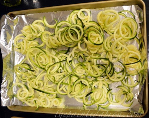 zucchini noodles thepaintedapron.com