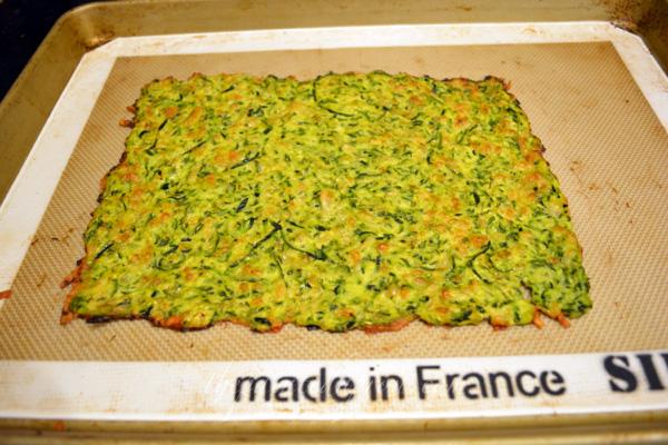 baked zucchini crust thepaintedapron.com