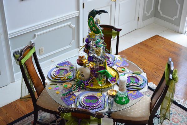 Bourbon St table 2 thepaintedapron.com