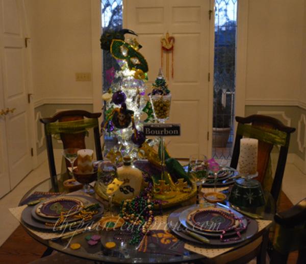 Bourbon St table 5 thepaintedapron.com