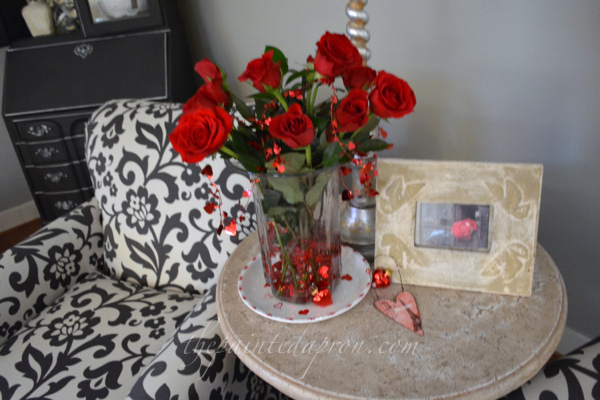 roses with garland thepaintedapron.com
