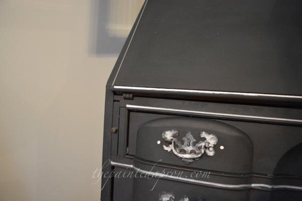 silver leaf detail thepaintedapron.com