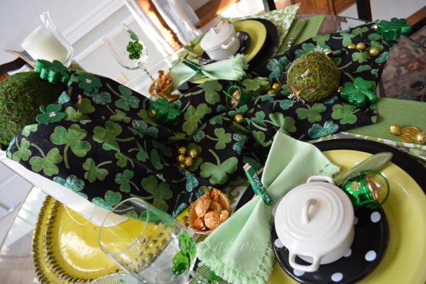 St. Patrick's table thepaintedapron.com