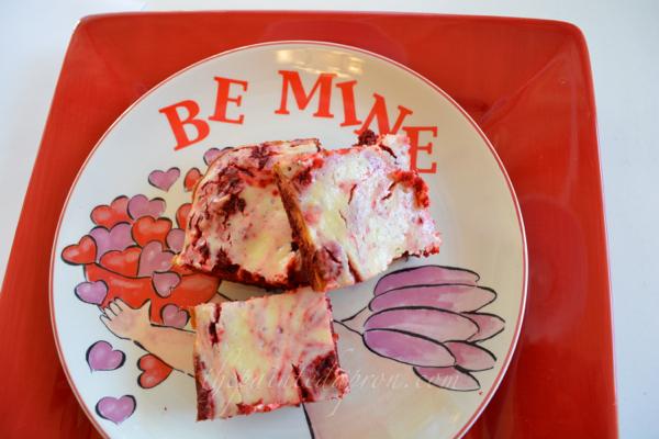 Valentine brownies thepaintedapron.com