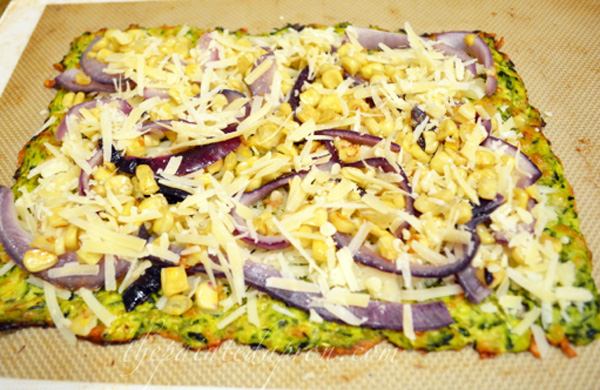 veggie and cheese pizza thepaintedapron.com
