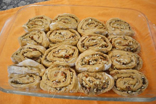 carrot cake rolls thepaintedapron.com