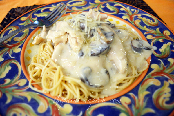 chicken with pasta and mushrooms thepaintedapron.com