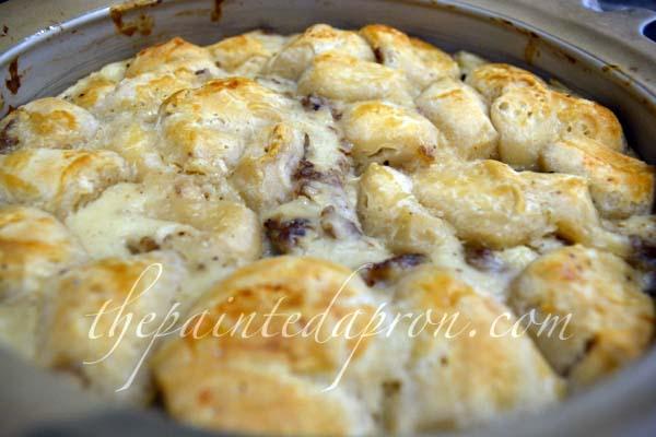 sausage gravy biscuit bake thepaintedapron.com