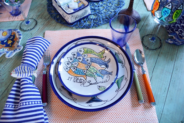 fishy place setting 2 thepaintedapron.com