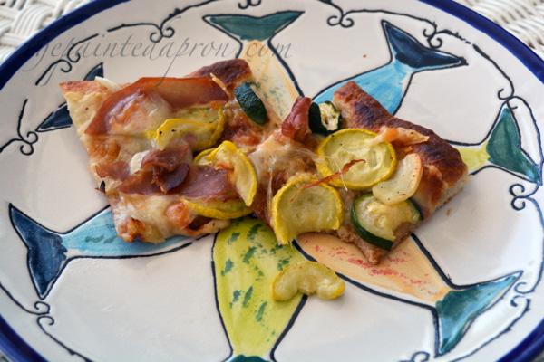 zucchini and prosciutto pizza thepaintedapron.com