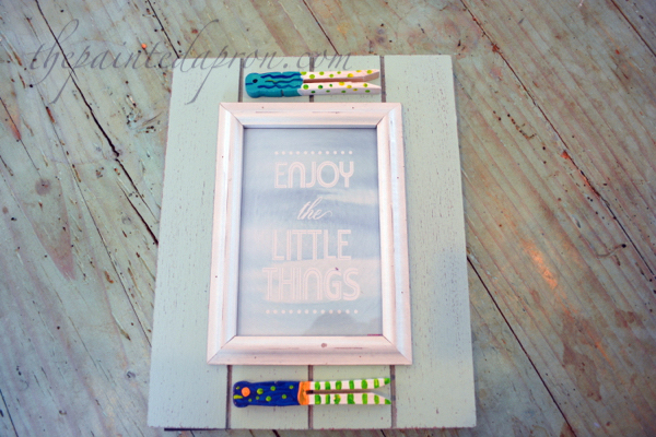 clothespin fish frame 2 thepaintedapron.com