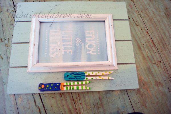 clothespin fish frame thepaintedapron.com