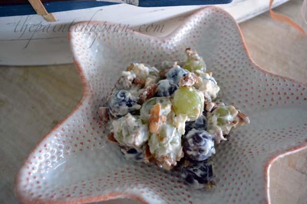 easy grape salad thepaintedapron.com