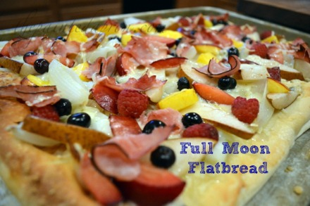 fruity ham flatbread thepaintedapron.com
