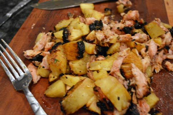grilled chicken with pineapple thepaintedapron.com