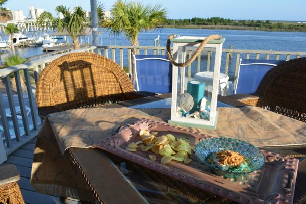 kale, onion and swiis hard dip thepaintedapron.com