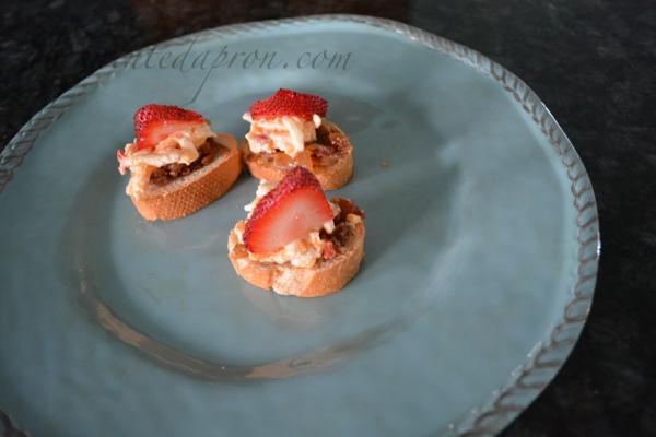 pimento cheese and bacon jam toast thepaintedapron.com