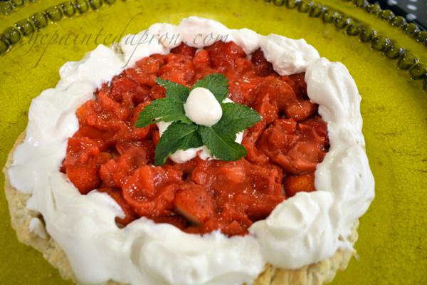strawberry pastry thepaintedapron.com