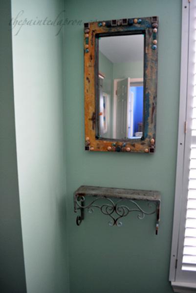 mini vanity thepaintedapron.com