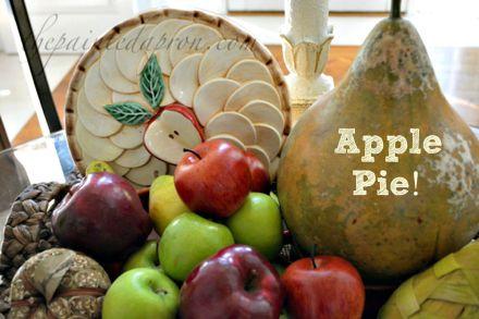 apple pie centerpiece 5 thepaintedapron.com