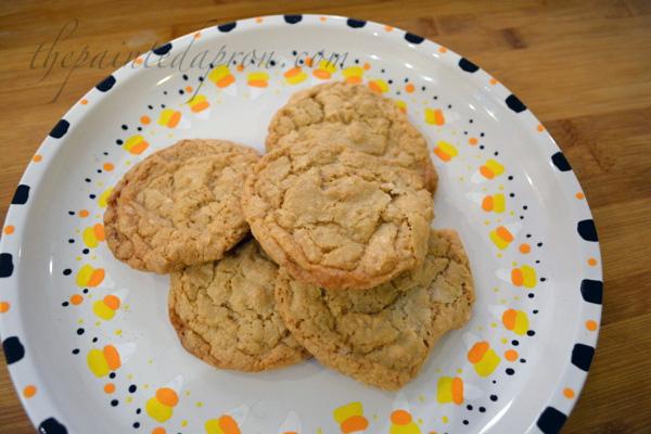 easy peanut butter cookies thepaintedapron.com