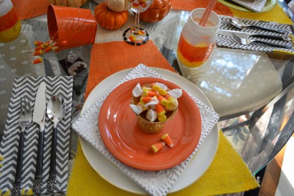 halloween candy place setting thepaintedapron.com