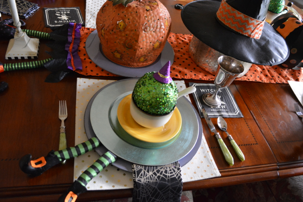 witch place setting thepaintedapron.com