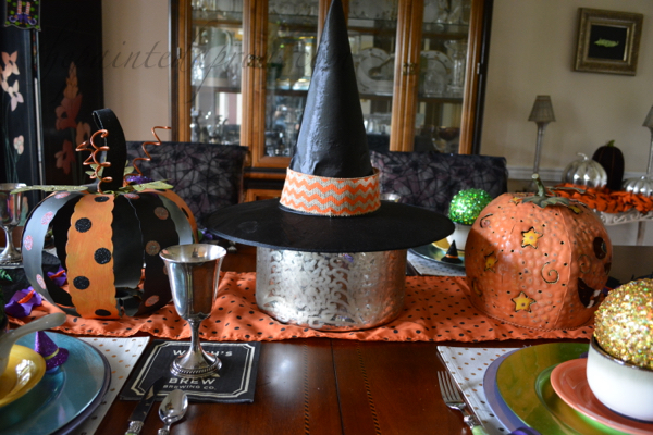 witch table centerpiece thepaintedapron.com